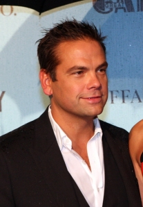 Lachlan_Murdoch_in_May_2013